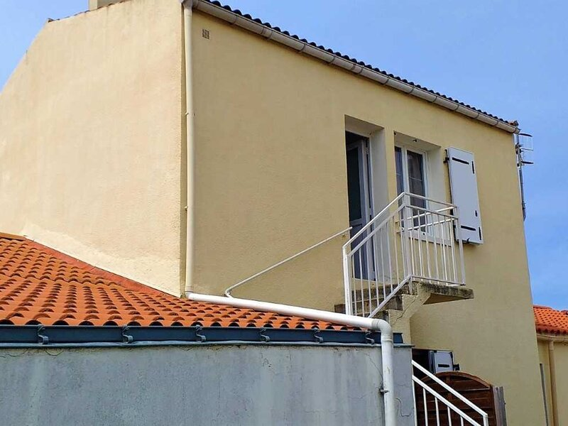 Appartement proche commerces, holiday rental in Saint-Denis-du-Payre