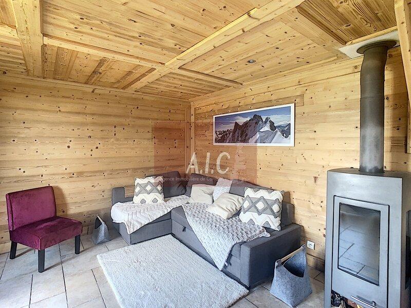 Joli 3 pièces face au Mont Blanc à proximité du Biotop de Combloux, holiday rental in Combloux