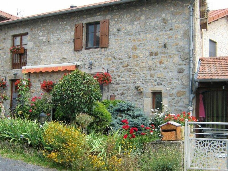 Gîte du Ponteil, holiday rental in Saint-Maurice-de-Lignon