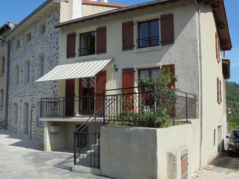 Chez Sophie et Joseph, location de vacances à Éspaly-Saint-Marcel