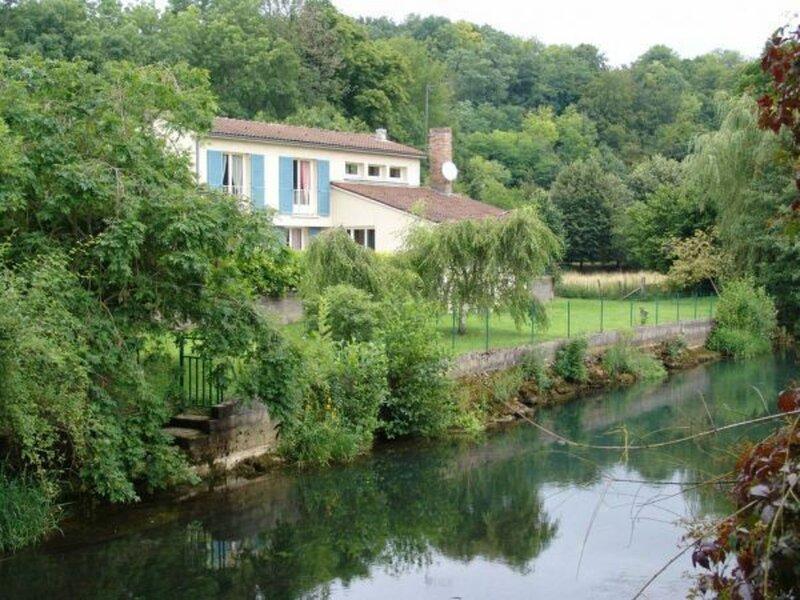 Gîte du Martin Pêcheur, holiday rental in Arrigny