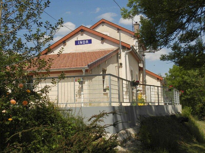 Gîte de l'Ancienne Gare d'Inor, holiday rental in Dun-sur-Meuse
