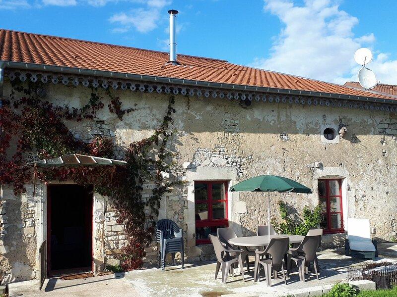 Gîte du Lavoir, location de vacances à Colombey-les-Belles