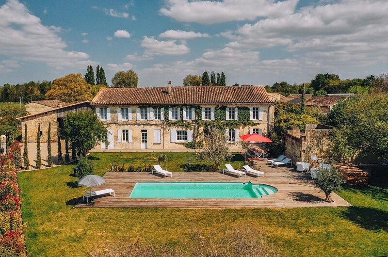 Villa Lussac St Emilion, location de vacances à Lagorce