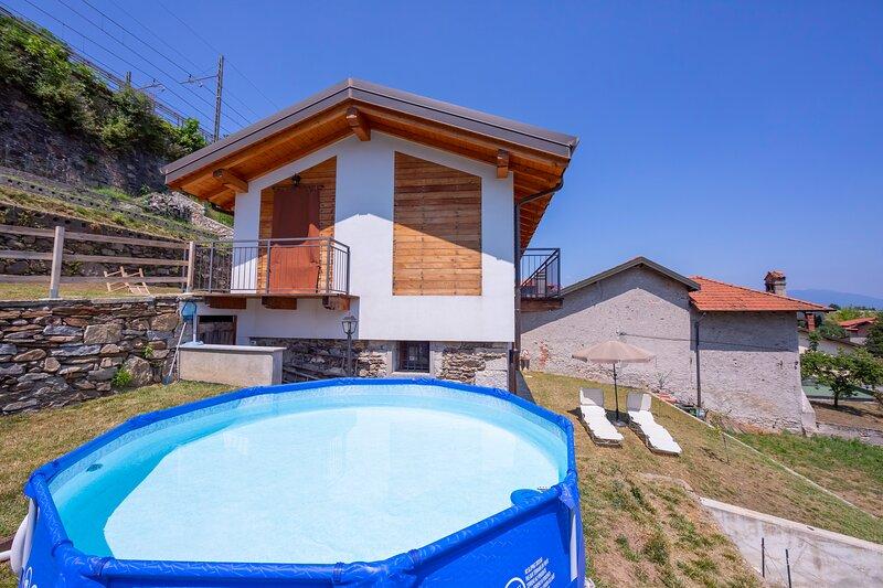 Lesa Country With Pool, aluguéis de temporada em Lesa