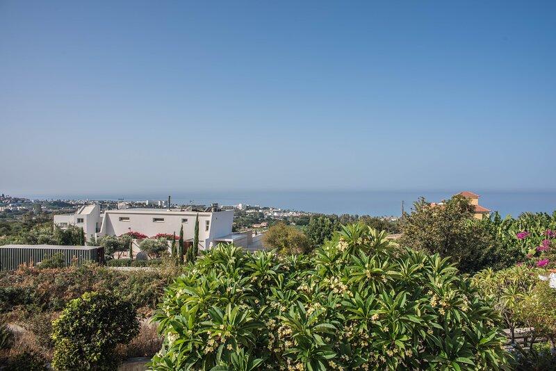 Mediterranean balkony, holiday rental in Kissonerga
