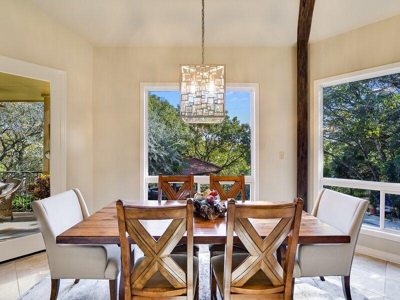Flooring,Chair,Furniture,Hardwood,Room