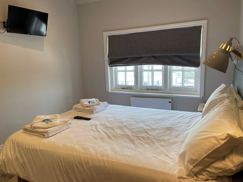 Room Only Rental 14 Former Hotel with Self Entry Key, holiday rental in Pevensey