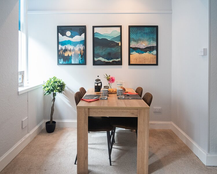 Tweedale Apartment - Town Centre Apartment, holiday rental in Lochdon