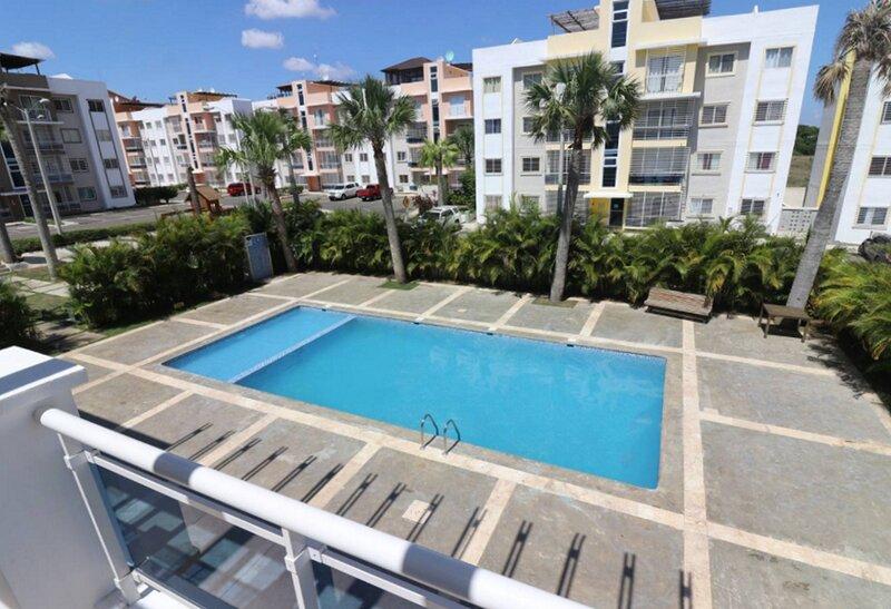3BD condo with pool near Santiago airport, fully equipped, fast Wi-Fi, cable TV, aluguéis de temporada em Salcedo