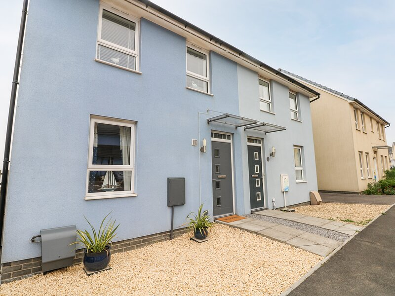 Tŷ Glas, Ogmore-By-Sea, holiday rental in Vale of Glamorgan