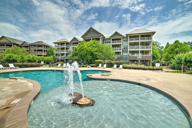 NEW! Lakeside Talladega Condo: Dock & Boat Launch!, holiday rental in Talladega