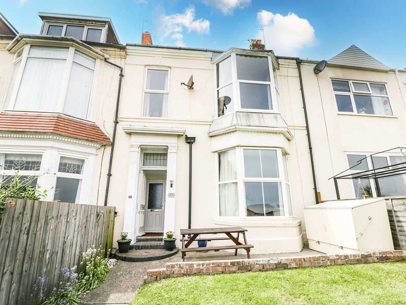 Sea Front Apartment, Hornsea, vacation rental in Mappleton