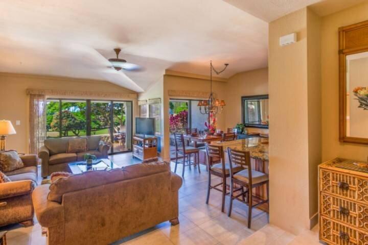 Discounted Fall Rates - Beautiful Kapalua Maui - Upgraded and spacious Golf Vill, vakantiewoning in Kapalua