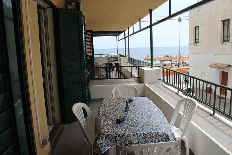 il lungomare ab 229, holiday rental in Panarea