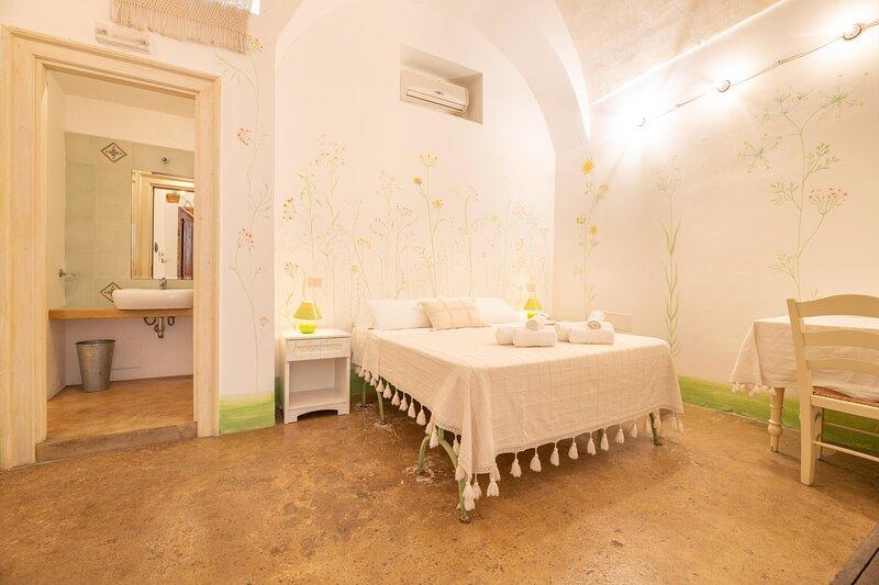 Camera Fiori Di Pesco - Racale, casa vacanza a Felline