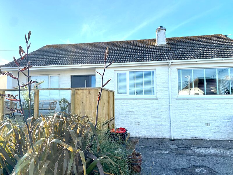 Rainbow cottage, Whipsiderry beach, Newquay, location de vacances à Newquay