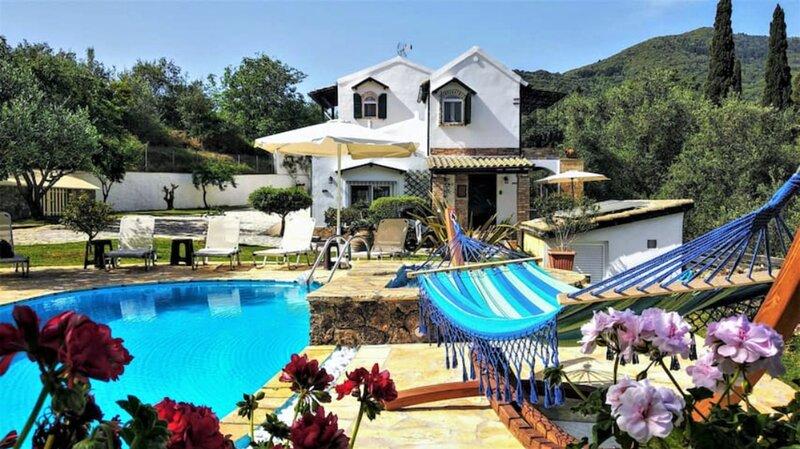 Inviting 4-Bed Private Villa in central Corfu, holiday rental in Achilleio