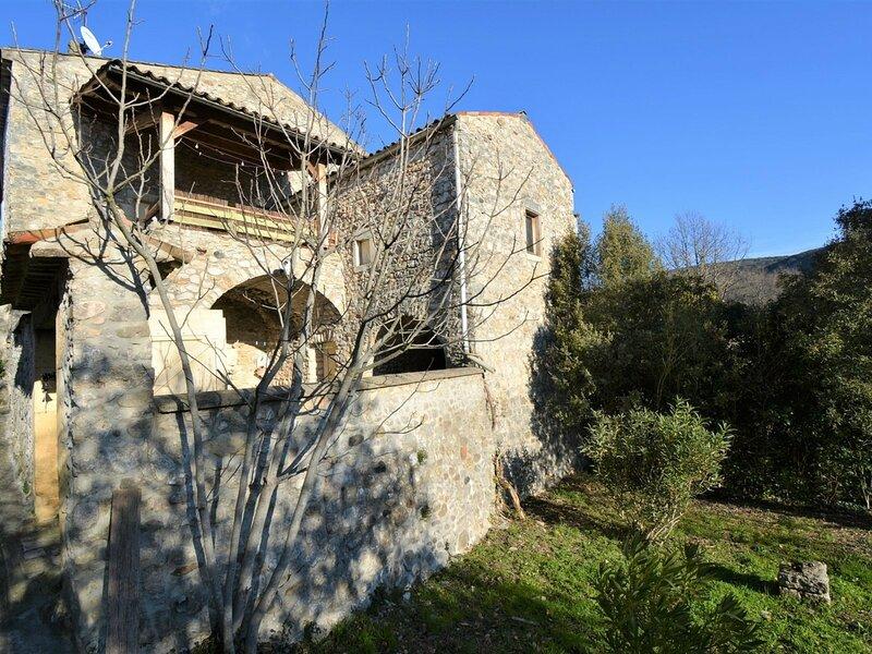 Maison en pierre 6 personnes, holiday rental in Saint-Remeze