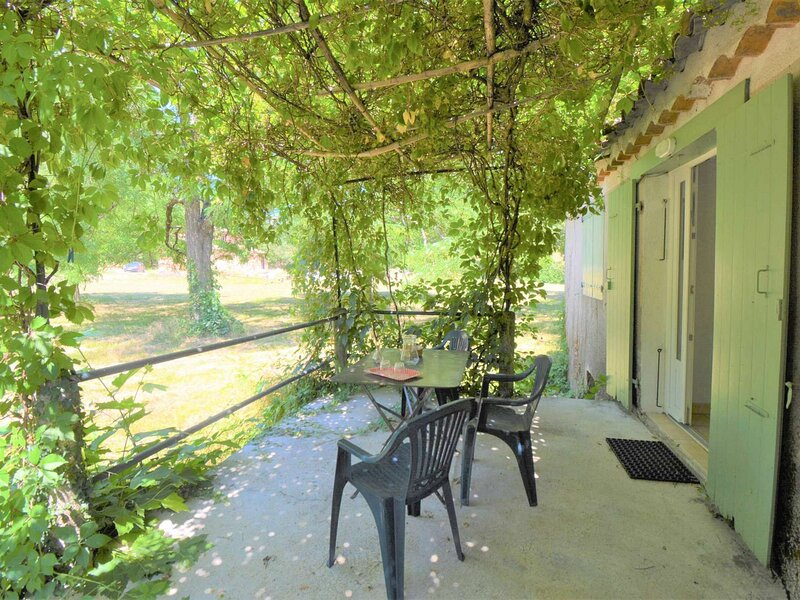 Maison 4 personnes, holiday rental in Saint-Remeze