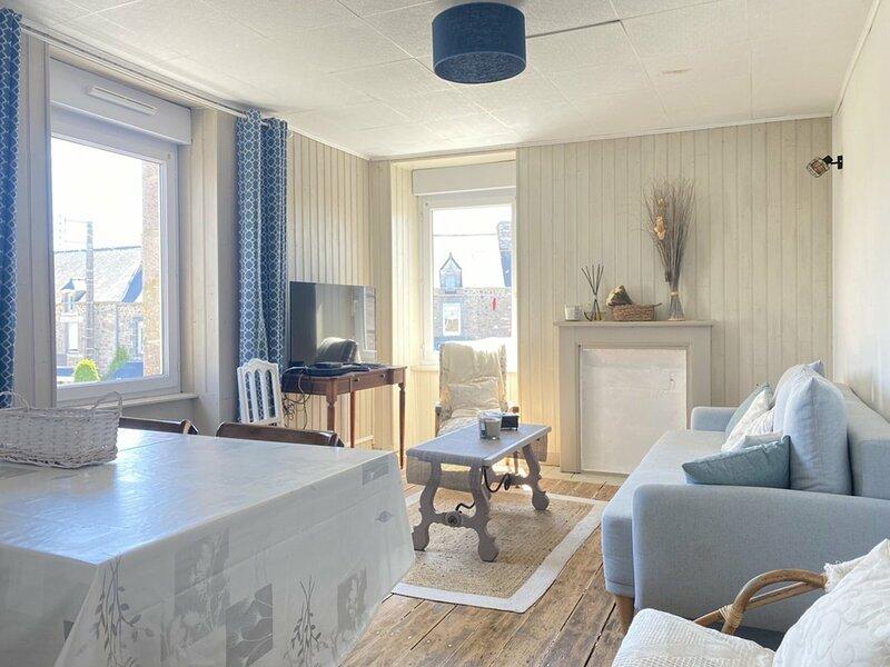 A FREHEL, appartement de 70m² très lumineux, holiday rental in Frehel