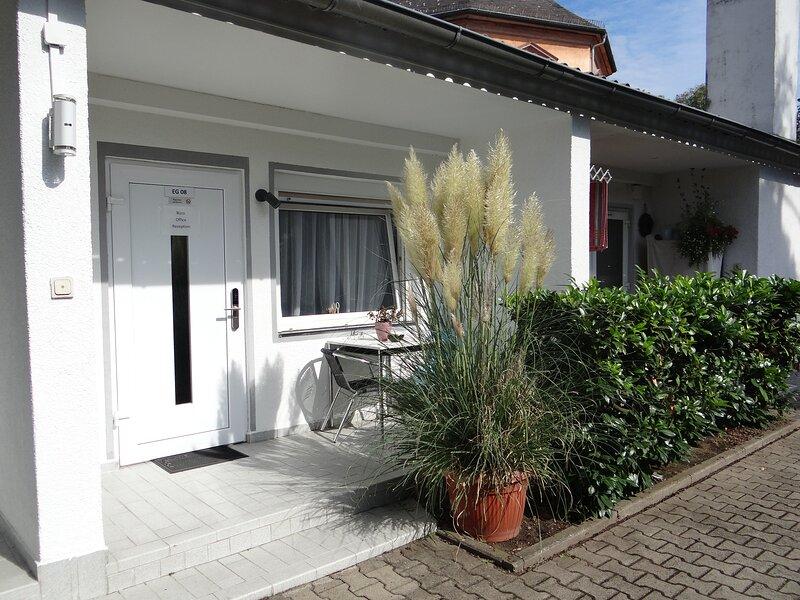 Klimatisiertes Apartment in zentraler Lage, vacation rental in Dietzenbach