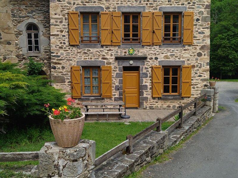 Gîte de l'ancien presbytère, holiday rental in Varennes-Saint-Honorat