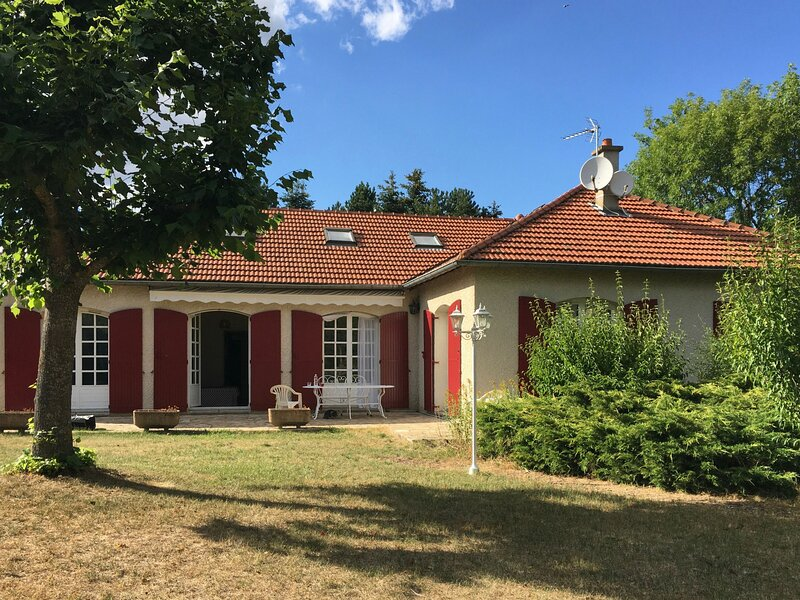 43G6214, holiday rental in Varennes-Saint-Honorat