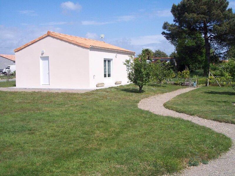 Beautiful house with garden & Wifi, holiday rental in Les Moutiers-en-Retz