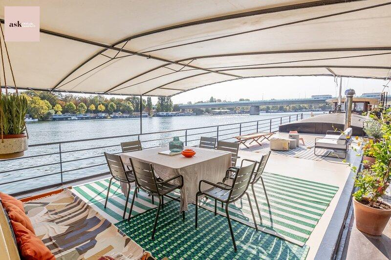 SORORITE Experience All-inclusive Stay Paris (6p), casa vacanza a Saint-Cloud