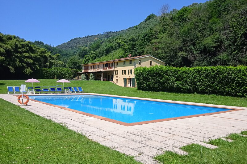 Villa Anna Montebello, casa vacanza a Valdicastello Carducci