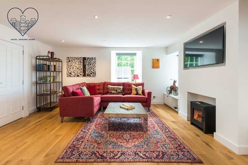 Charming 3 Bed Village Green Cottage East Lothian, holiday rental in Oxton