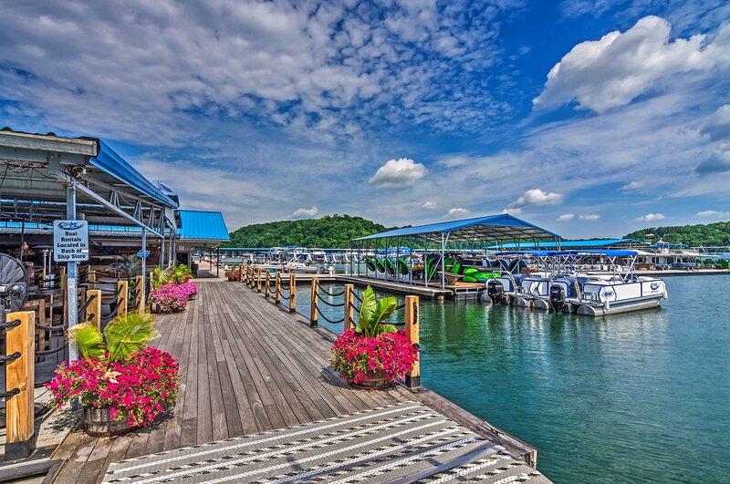 NEW! Lake Cumberland Family Condo w/ Pool & Tennis, alquiler de vacaciones en Jamestown
