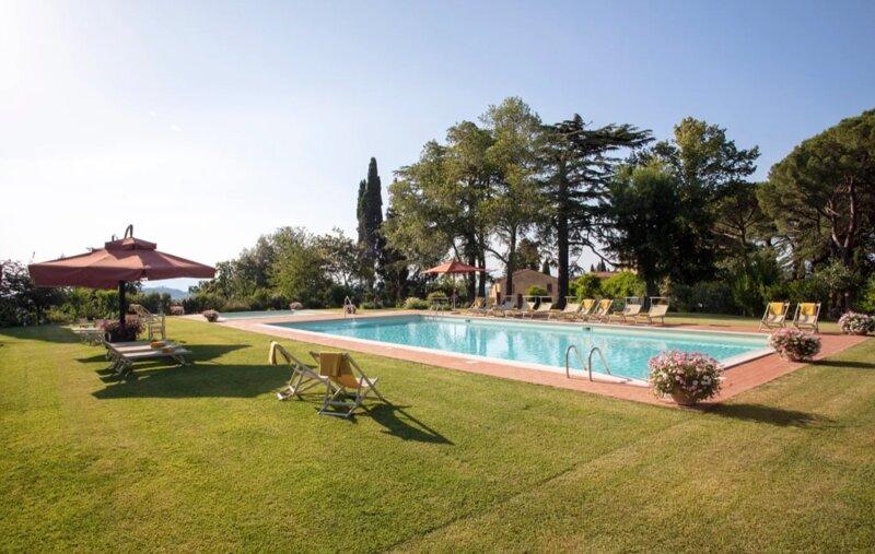 Villa Palaia surrounded by green – semesterbostad i Montopoli in Val d'Arno
