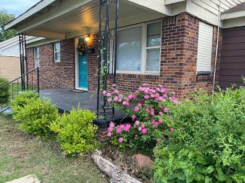 Spacious 5 Bed Cowboy House 1 mi to Fort Sill! in Lawton Oklahoma, vacation rental in Medicine Park
