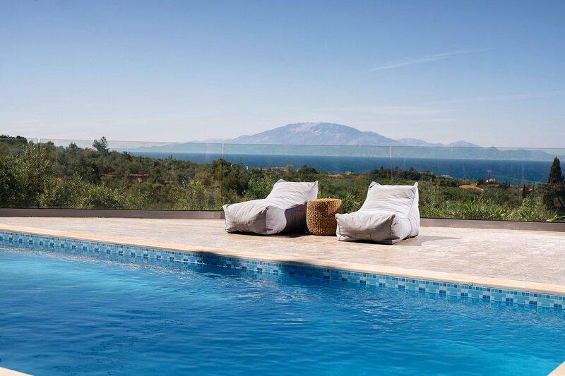 Villa Venia - 2 Bedroom Villa with Private Pool, aluguéis de temporada em Tragaki