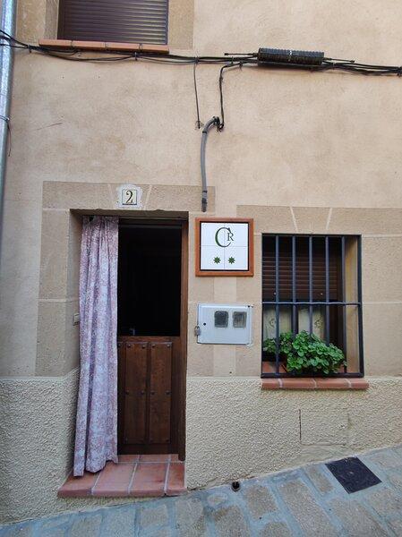 Casa Rural MIJOAN **, alquiler de vacaciones en Casas del Castañar