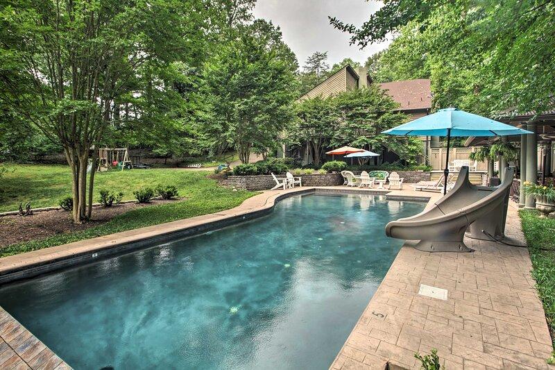 The White Elephant Inn Getaway w/ Pool & Hot Tub! – semesterbostad i Gordonsville