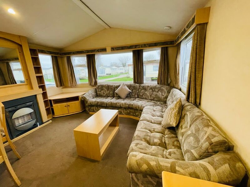 Lovely 8 berth caravan for hire at Cherry Tree Holiday Park, Norfolk ref 70704C, holiday rental in Fritton