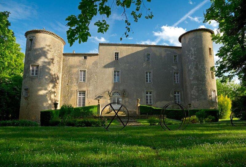Plaigne Castle Sleeps 29 with Pool and WiFi - 5892461, location de vacances à Plavilla
