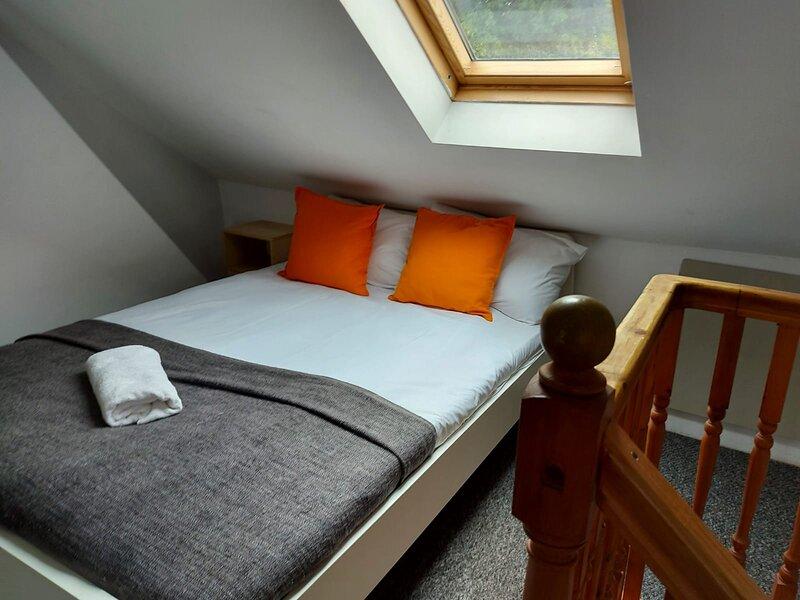 Salisbury House - Huku Kwetu Serviced (Corporate) Accommodation, holiday rental in Hitchin