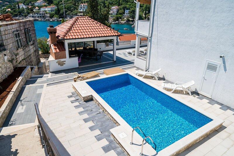 Mata Family Apartments - Studio Apartment with Terrace and Sea View, alquiler de vacaciones en Molunat