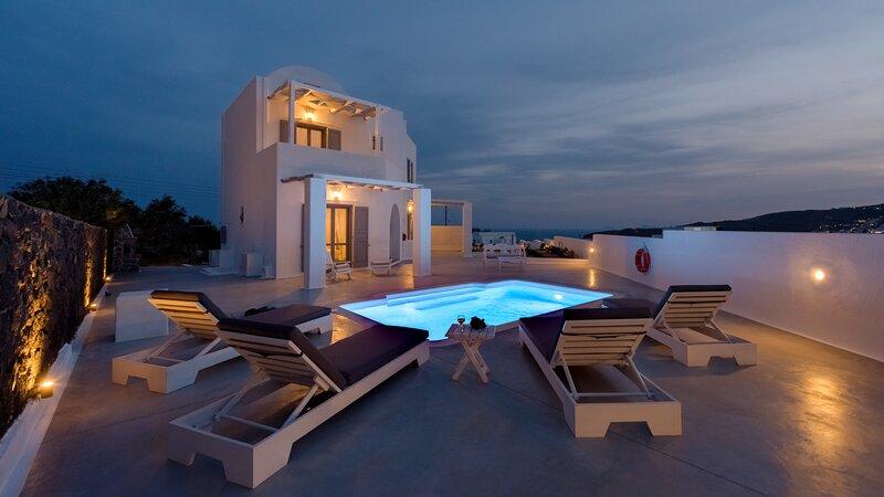 Hemera Holiday Home villa in Santorini, holiday rental in Santorini