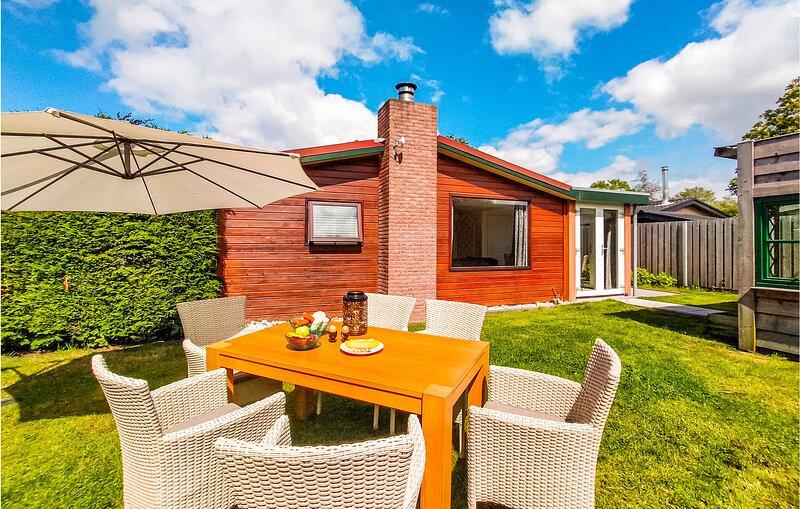 Stunning home in Scherpenisse with WiFi and 3 Bedrooms (HZE179), holiday rental in Sint Maartensdijk