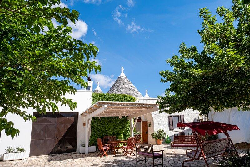 Charming Trullo in Puglia for 5 people, casa vacanza a Macchia di Monte