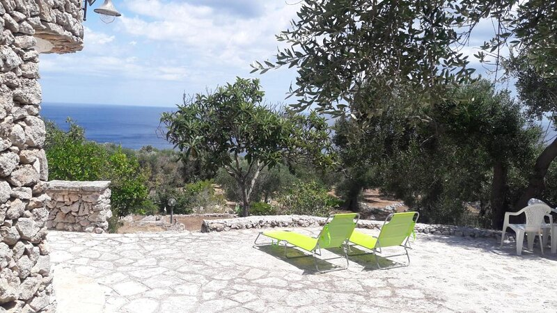 Villa degli Ulivi - 2 Bedrooms House, holiday rental in Marina Serra