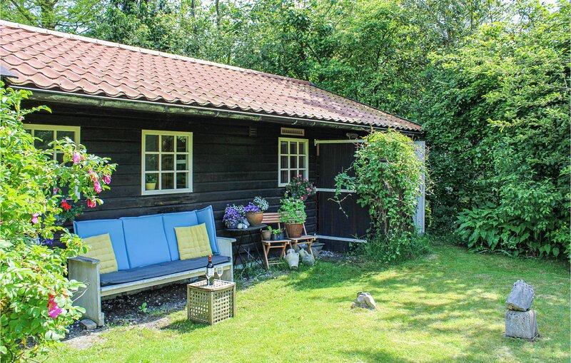 Garden Cottage (HNH617), holiday rental in Oterleek