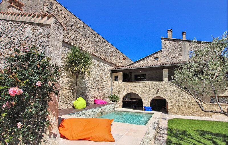 Nice home in Bourg st Andeol with 3 Bedrooms (FRA175), holiday rental in Pierrelatte