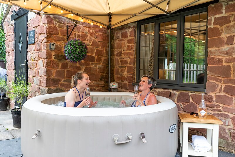 Parish Mill Cottage with hot tub on request dog friendly - Forest of Dean, vacation rental in Cinderford
