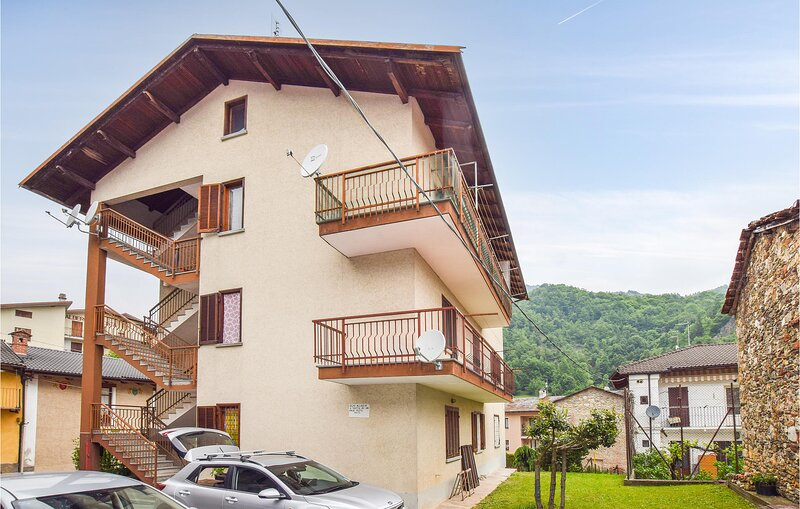 Stunning apartment in Monterosso Grana with WiFi and 1 Bedrooms (IPM171), holiday rental in Boves